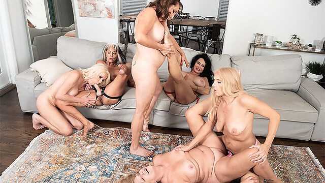 The First-Ever Six-Way Granny Orgy - Cammille Austin, Chery Leigh, Luna Azul, Mia Magnusson, Rita Daniels, And Sally D'angelo - 60PlusMilfs big ass big tits cunnilingus