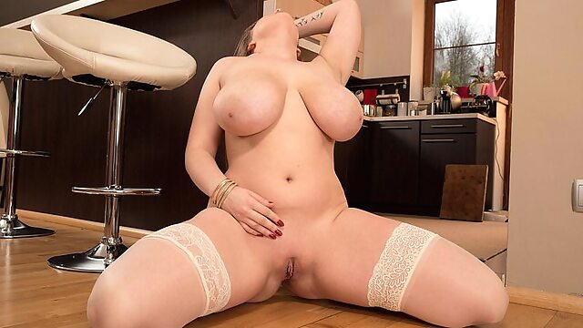 Kitchen Wet Dreams - Larissa.. bbw big ass big tits