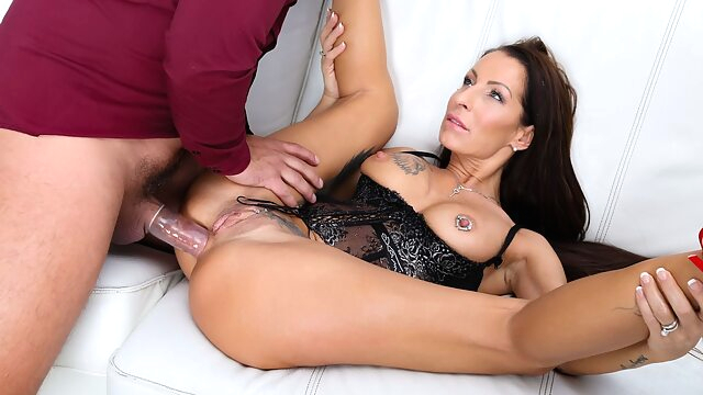 Valentina Sierra & Neeo in.. anal big tits cougar