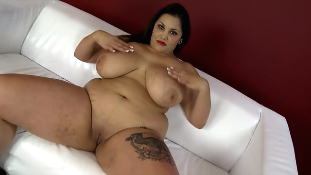 Deep Divin' bbw big tits brunette