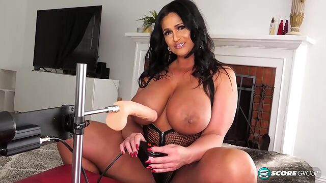 Voluptuous brunette with big tits, Kailani Kai is using a fucking machine to drill her tight ass anal bbw big ass