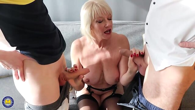 Amy asked two handsome guys to stop by and fuck her at the same time anal big tits blonde