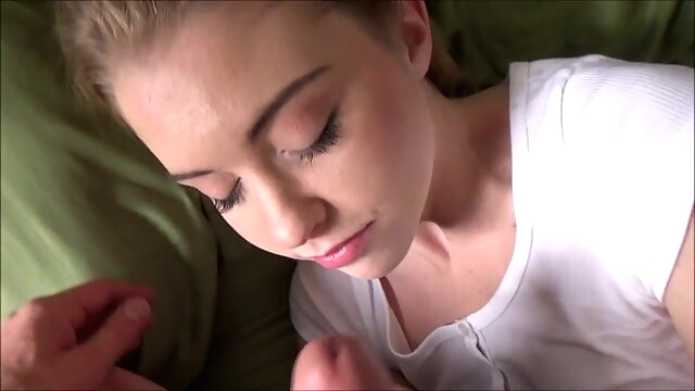 Stepsister Daydream - Chloe Cherry - Family Therapy blonde cumshot teen