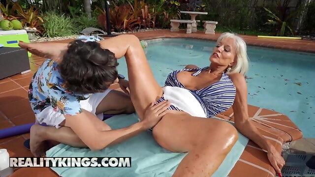 Ricky Spanish Fucks Sally D'Angelo's Mature Pussy By The Pool blonde mature big boobs