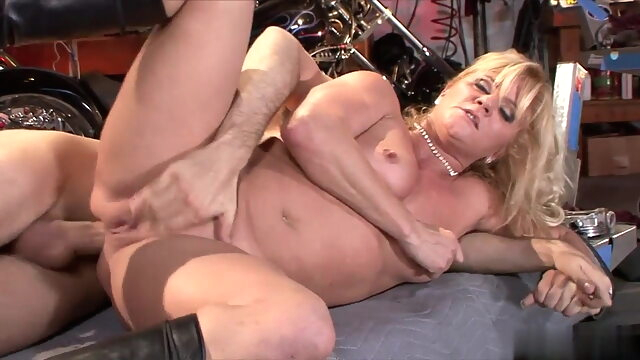 The start of my granny fetish 099 anal blonde old & young