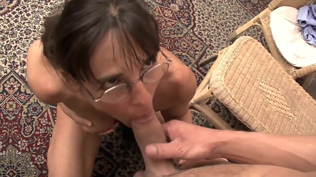 TuttiFrutti - Slutty Mom.. fisting hd hungarian