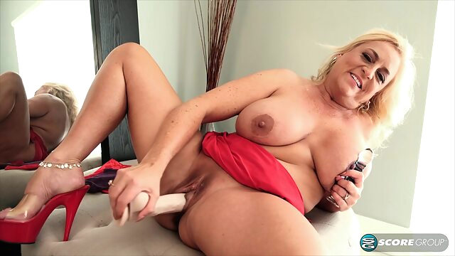 Charli Adams is a seductive, blonde mature who likes to masturbate with a huge sex toy big tits blonde hd