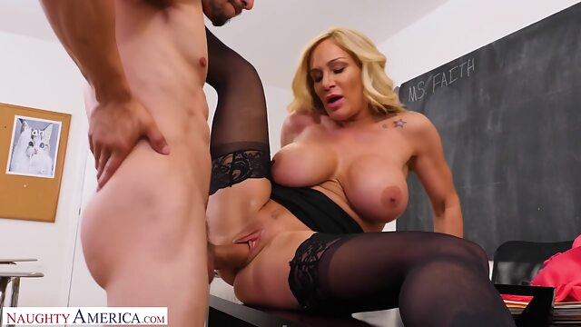 Mature Woman Faith Gets her Pussy Filled with Cum by Bambino big ass big tits blonde