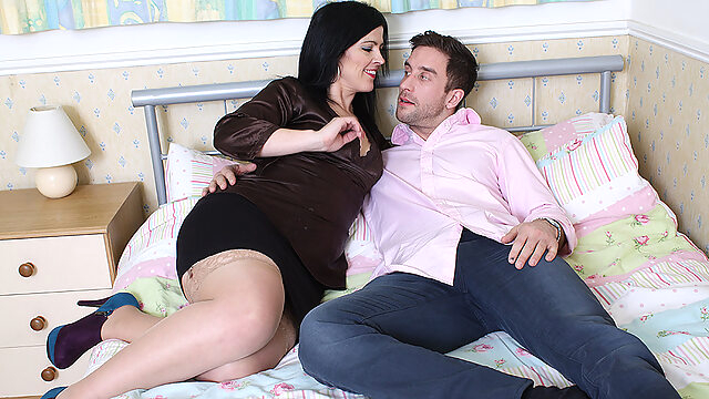 Hot British Mom Fucking And Sucking Like A Maniac - MatureNL big ass big tits dutch