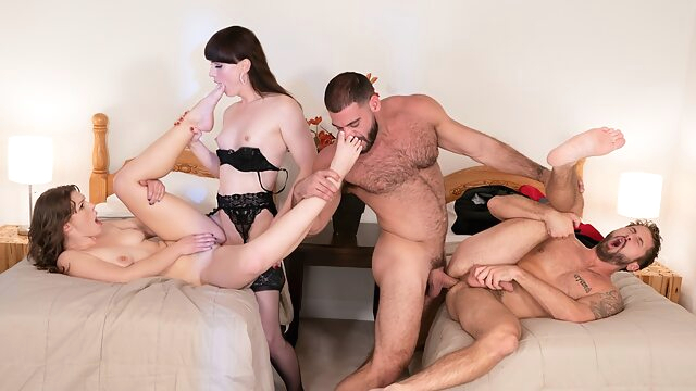 Natalie Mars & Ella Nova & Ricky Larkin & Wesley Woods in Free For All - WhyNotBi bisexual male